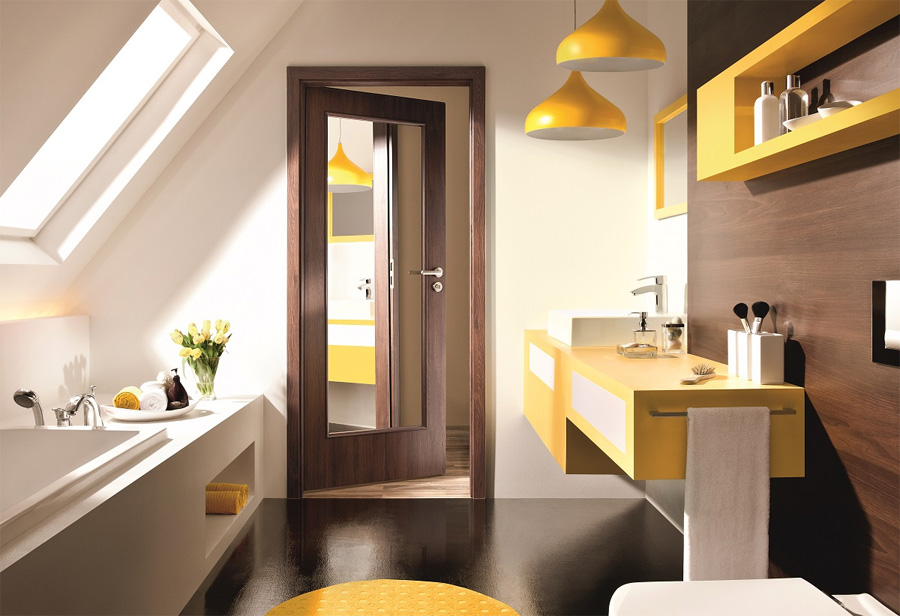 Drzwi wewnętrzne do łazienki z lustrem